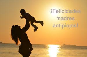 En None On Top queremos brindar un homenaje a todas las madres que se enfrentan a los piojos, ¡felicidades madres antipiojos!